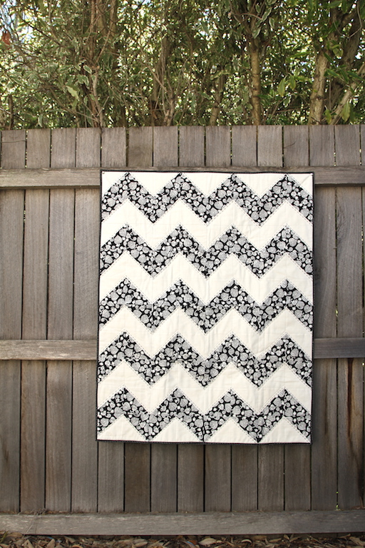 Black & White Chevron 001