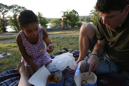 Fish_and_chips_picnic